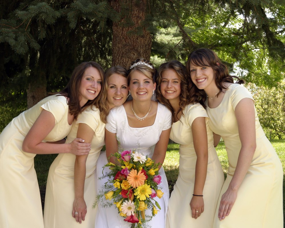 LDS Bride and LDS bridesmaids in Modest Wedding dresses
