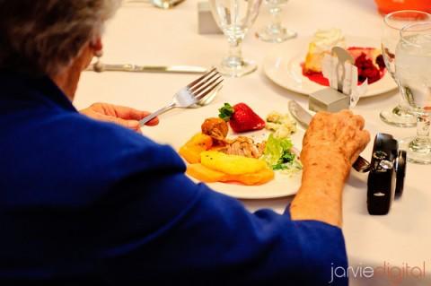 sit down vs buffet, photo by JarvieDigital.com, WeddingLDS.info