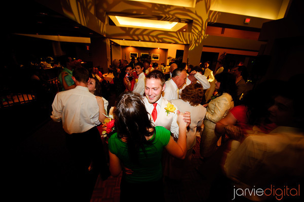 Dance songs for LDS wedding attendants