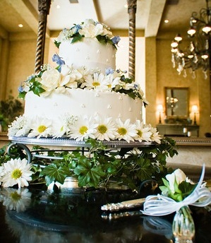 wedding cake for LDS wedding receptions