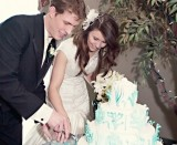 cake cutting music for LDS wedding receptions, Photo by Ravenberg Photography, WeddingLDS.info